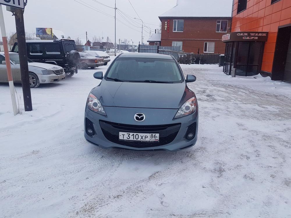 Подержанный Mazda 3, хорошее состояние, серебряный , 2012 года выпуска, цена 530 000 руб. в ао. Ханты-Мансийском Автономном округе - Югре