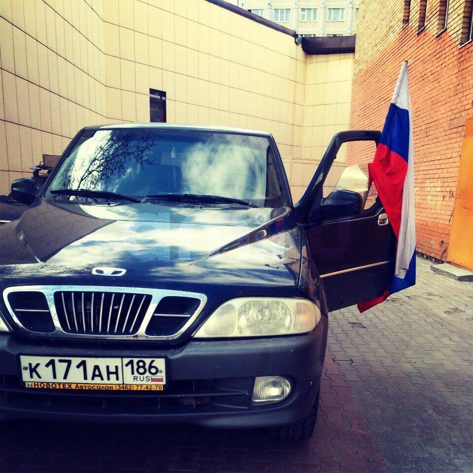 Подержанный SsangYong Musso, хорошее состояние, черный , 2000 года выпуска, цена 280 000 руб. в ао. Ханты-Мансийском Автономном округе - Югре