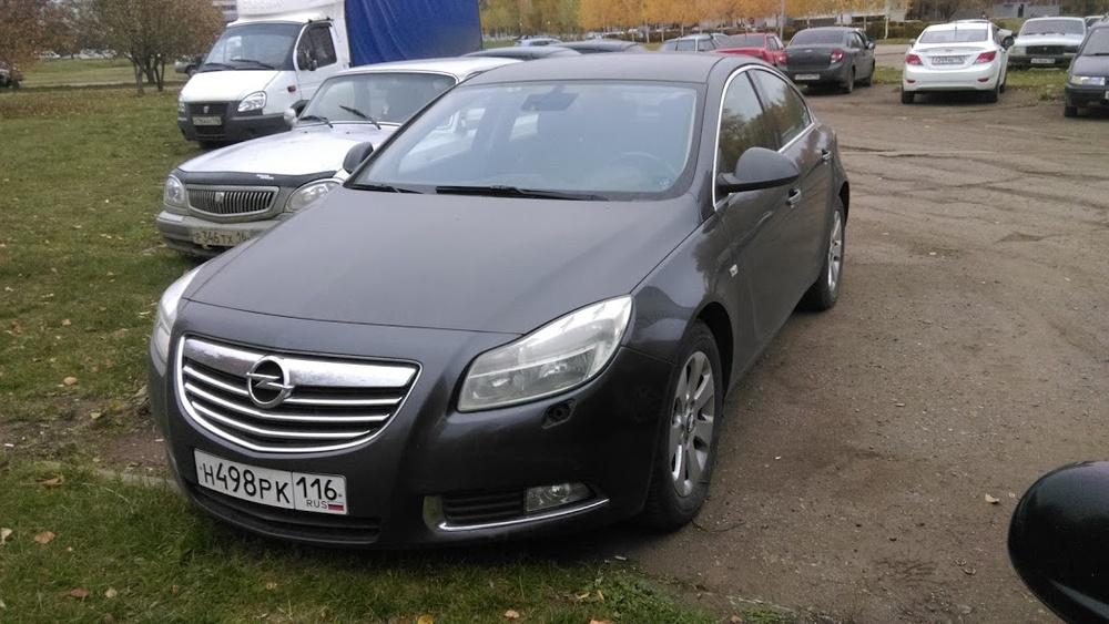 Подержанный Opel Insignia, хорошее состояние, серый металлик, 2010 года выпуска, цена 550 000 руб. в республике Татарстане