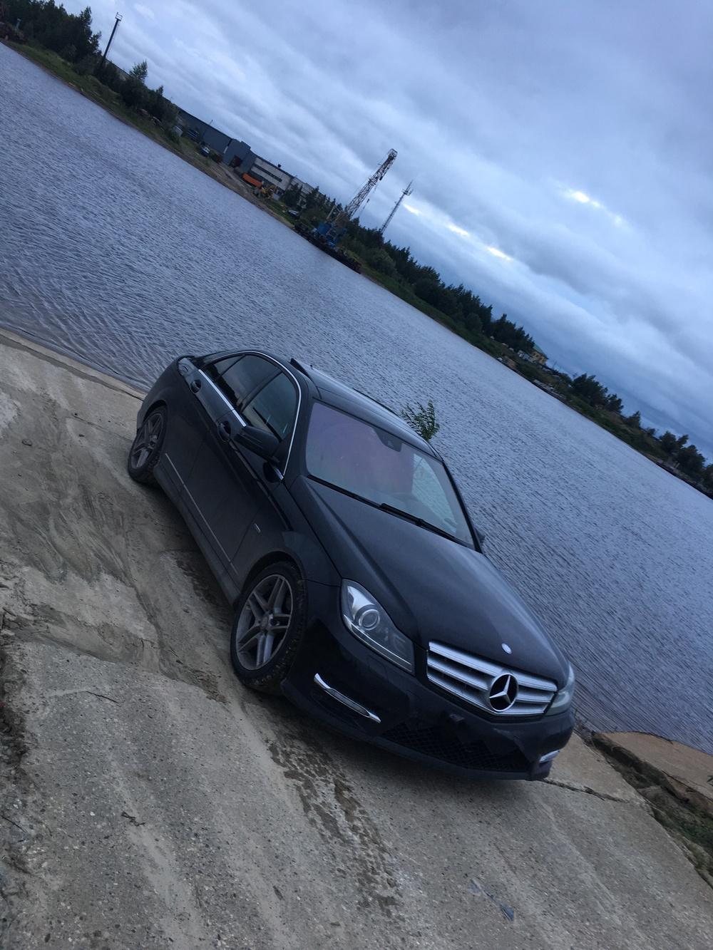 Подержанный Mercedes-Benz C-Класс, отличное состояние, черный , 2011 года выпуска, цена 1 300 000 руб. в ао. Ханты-Мансийском Автономном округе - Югре