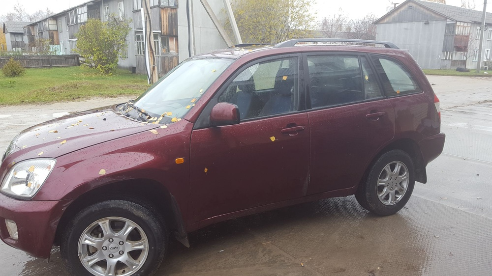 Подержанный Chery Tiggo, отличное состояние, бордовый металлик, 2011 года выпуска, цена 390 000 руб. в ао. Ханты-Мансийском Автономном округе - Югре