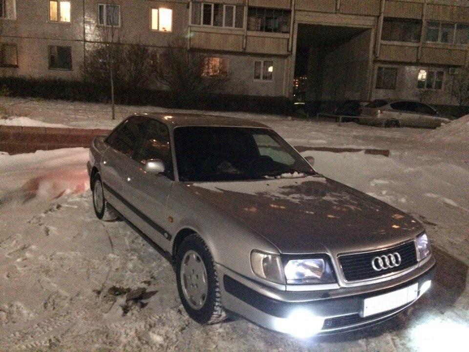 Подержанный Audi 100, плохое состояние, серебряный металлик, 1994 года выпуска, цена 95 000 руб. в Ульяновске