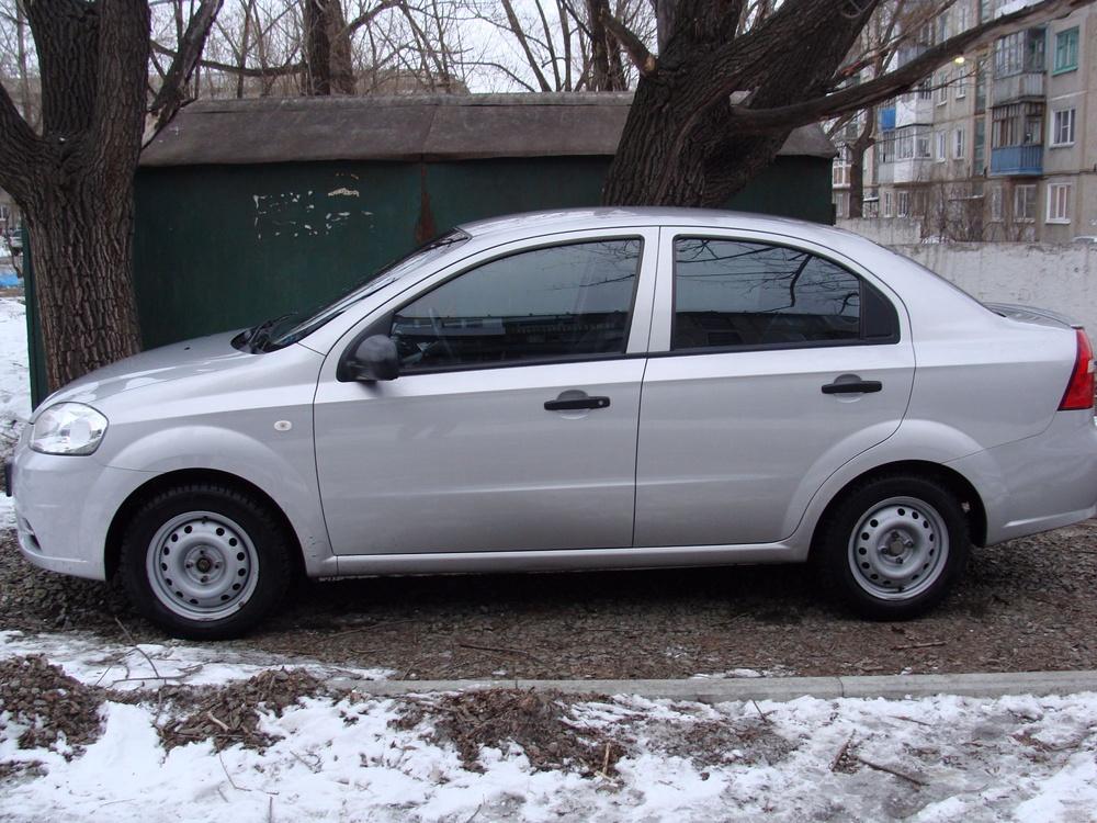 Подержанный Chevrolet Aveo, отличное состояние, серебряный , 2008 года выпуска, цена 240 000 руб. в Омске