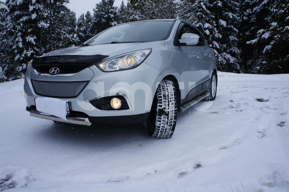 Подержанный Hyundai ix35, отличное состояние, серебряный , 2011 года выпуска, цена 950 000 руб. в ао. Ханты-Мансийском Автономном округе - Югре