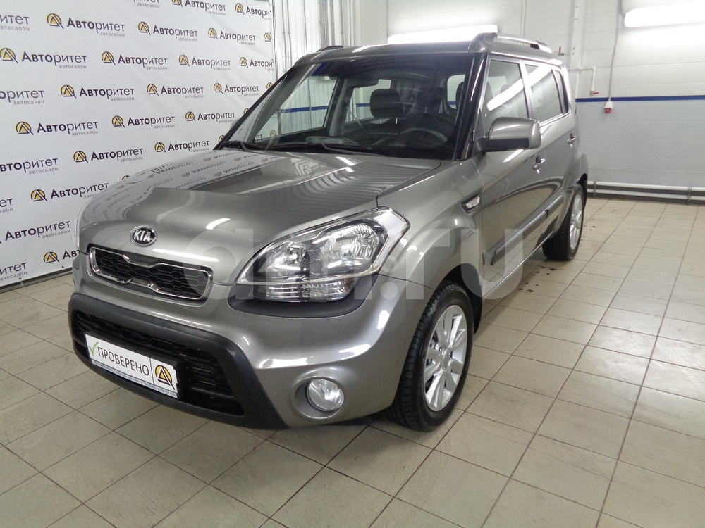 Kia Soul с пробегом, серый металлик, отличное состояние, 2013 года выпуска, цена 565 000 руб. в автосалоне  ()