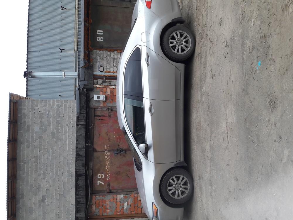 Подержанный Honda Accord, отличное состояние, серебряный , 2008 года выпуска, цена 680 000 руб. в ао. Ханты-Мансийском Автономном округе - Югре