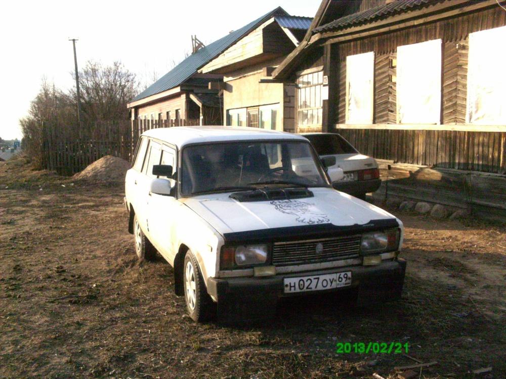 Подержанный ВАЗ (Lada) 2104, среднее состояние, белый , 1999 года выпуска, цена 40 000 руб. в Тверской области