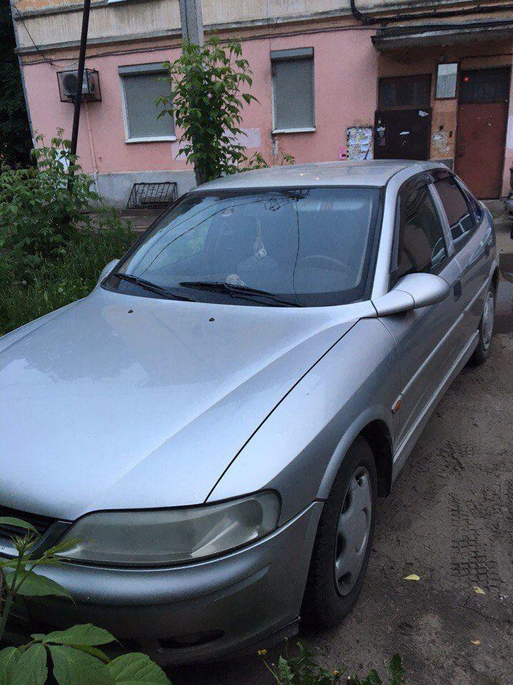 Подержанный Opel Vectra, хорошее состояние, серебряный , 2001 года выпуска, цена 170 000 руб. в Твери