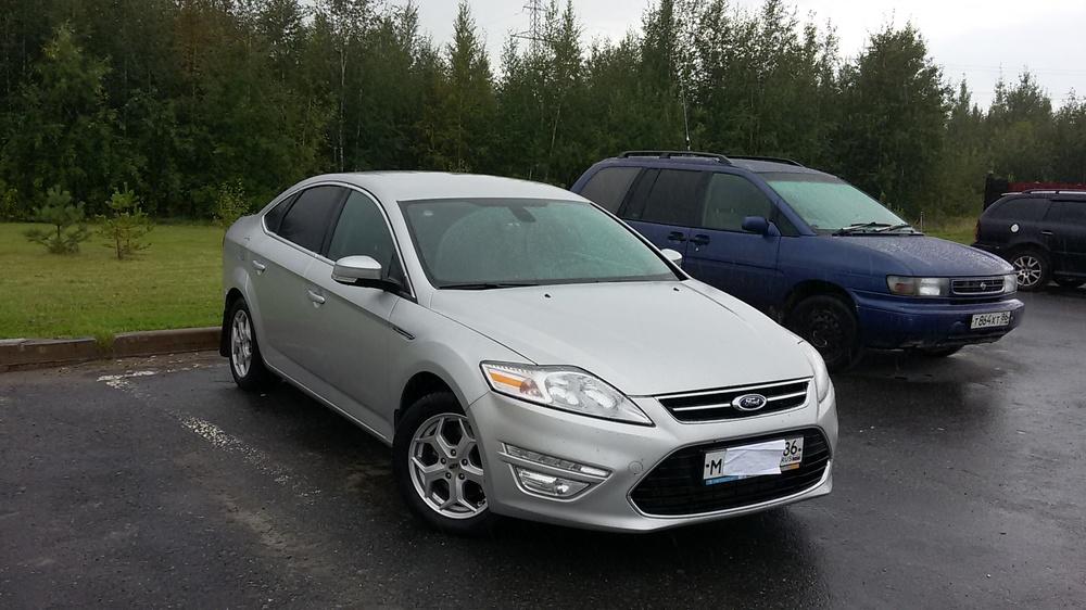 Подержанный Ford Mondeo, хорошее состояние, серебряный металлик, 2012 года выпуска, цена 640 000 руб. в ао. Ханты-Мансийском Автономном округе - Югре