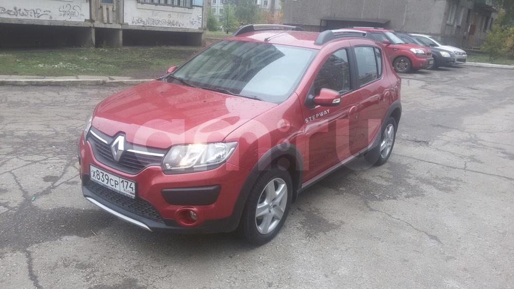 Подержанный Renault Sandero, отличное состояние, красный , 2015 года выпуска, цена 550 000 руб. в Челябинской области