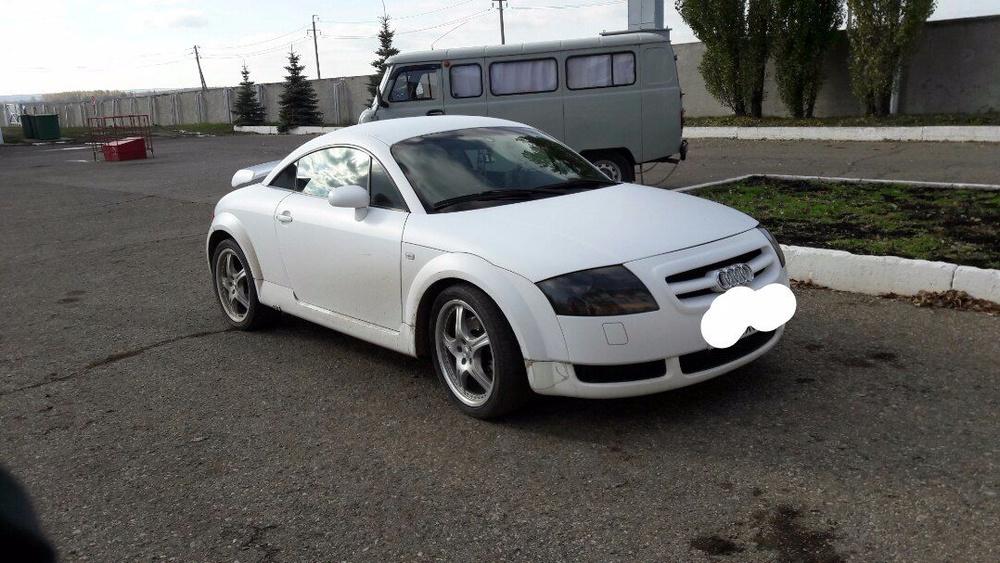 Подержанный Audi TT, отличное состояние, белый матовый, 1999 года выпуска, цена 400 000 руб. в республике Татарстане