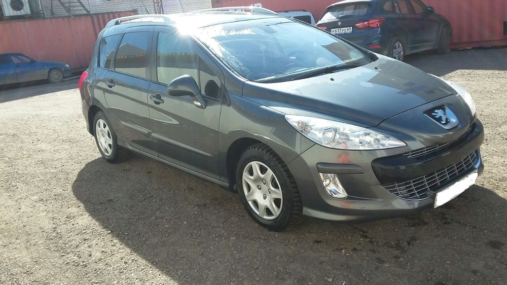 Подержанный Peugeot 308, хорошее состояние, серый , 2009 года выпуска, цена 350 000 руб. в Тверской области