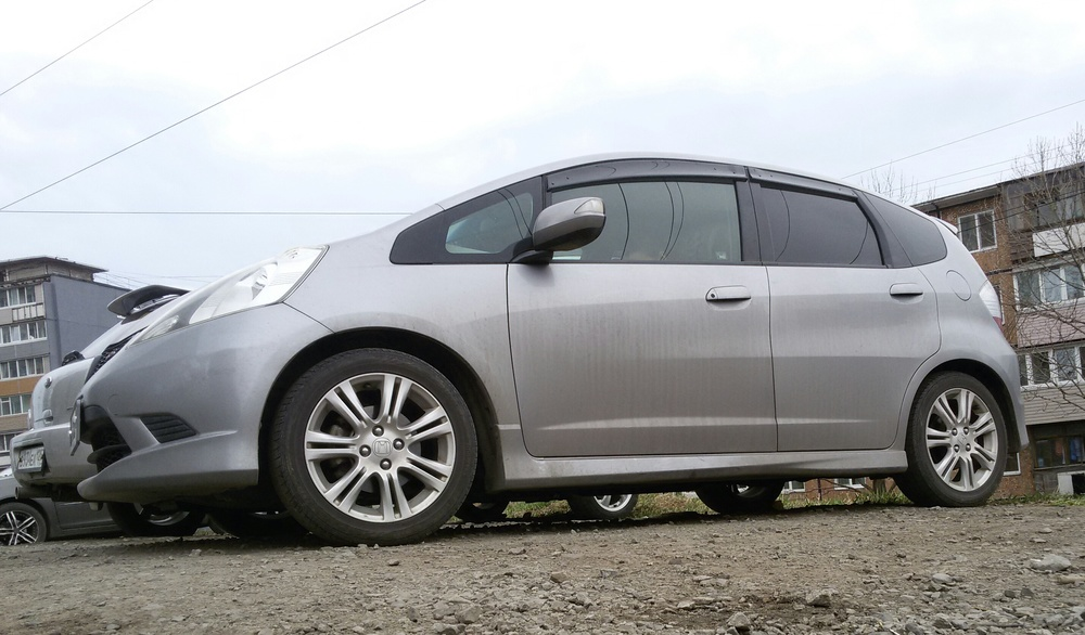 Подержанный Honda Fit, отличное состояние, серый , 2010 года выпуска, цена 495 000 руб. в Владивостоке