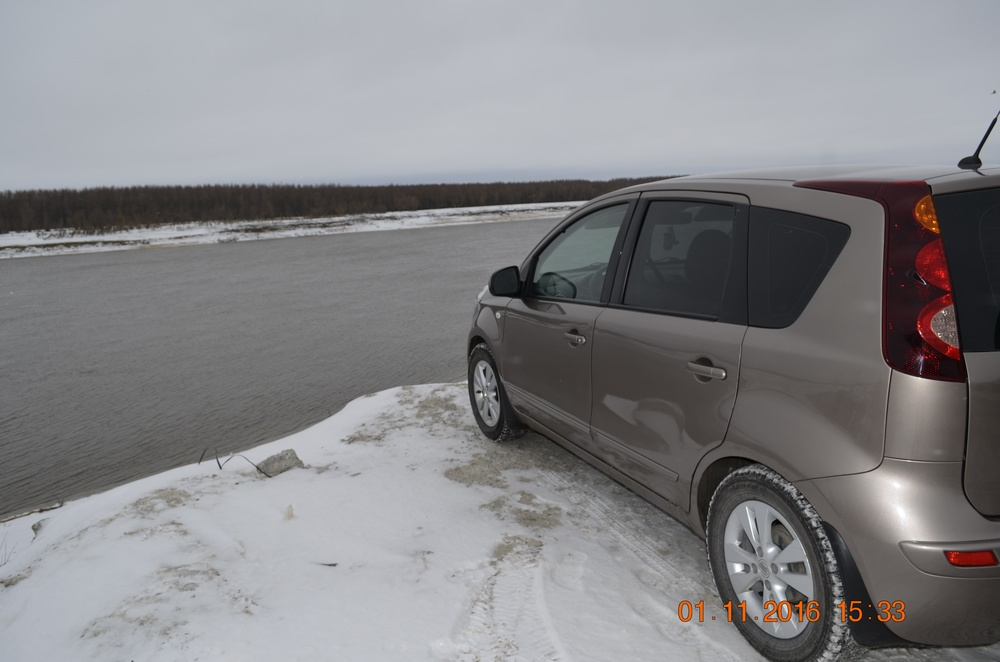 Подержанный Nissan Note, хорошее состояние, коричневый металлик, 2012 года выпуска, цена 450 000 руб. в ао. Ханты-Мансийском Автономном округе - Югре
