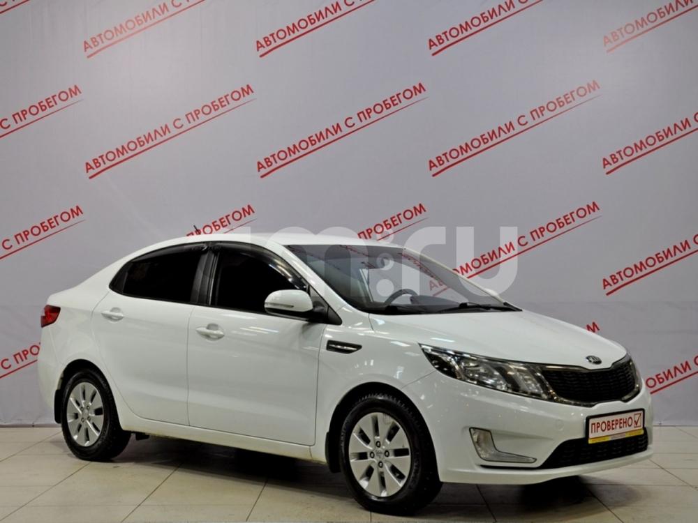 Kia Rio с пробегом, белый , отличное состояние, 2013 года выпуска, цена 515 000 руб. в автосалоне NORTH-AUTO (Санкт-Петербург, пр-кт Маршала Блюхера, д. 54, корп. 1)