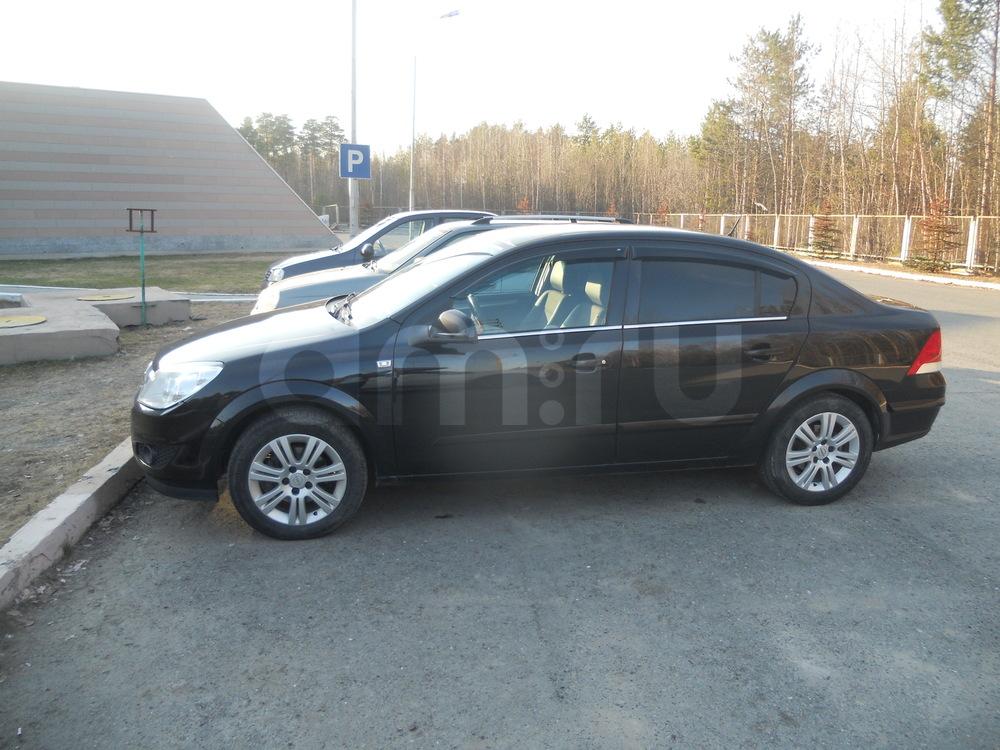 Подержанный Opel Astra, хорошее состояние, черный , 2010 года выпуска, цена 460 000 руб. в ао. Ханты-Мансийском Автономном округе - Югре