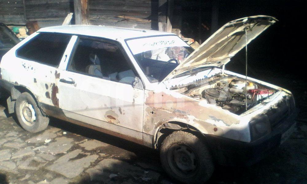 Подержанный ВАЗ (Lada) 2108, среднее состояние, белый , 1993 года выпуска, цена 20 000 руб. в Челябинской области