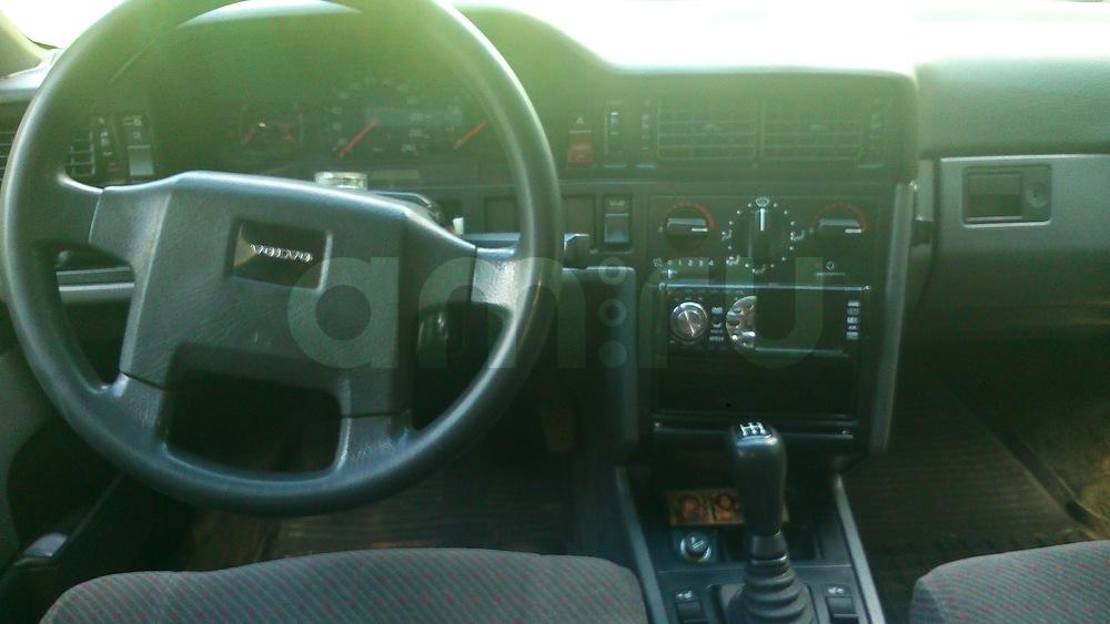 Подержанный Volvo 850, среднее состояние, черный , 1993 года выпуска, цена 90 000 руб. в Тверской области