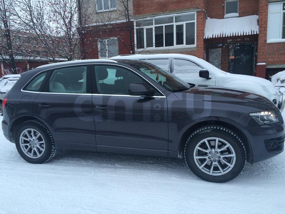 Подержанный Audi Q5, отличное состояние, сиреневый , 2010 года выпуска, цена 1 100 000 руб. в Челябинской области
