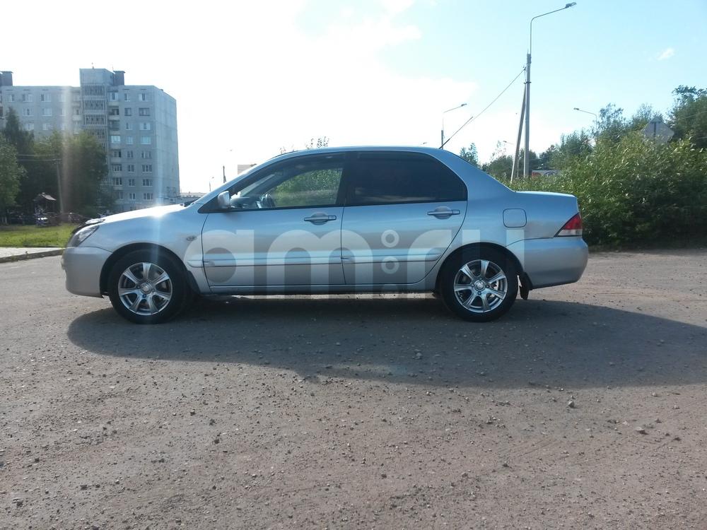 Подержанный Mitsubishi Lancer, отличное состояние, серебряный металлик, 2005 года выпуска, цена 259 000 руб. в Твери