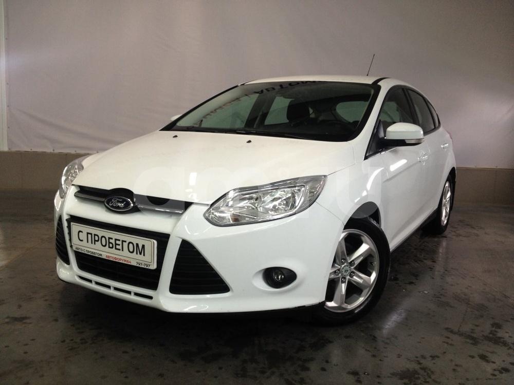 Ford Focus с пробегом, белый металлик, хорошее состояние, 2013 года выпуска, цена 539 000 руб. в автосалоне АвтоФорум 64 (Саратов, ул. Усть-Курдюмская, д. 33)