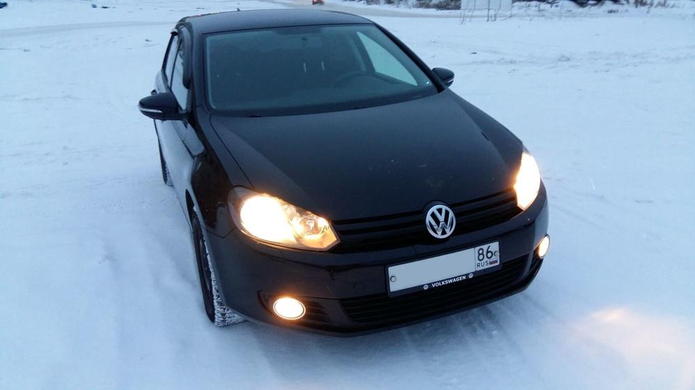 Подержанный Volkswagen Golf, отличное состояние, черный , 2011 года выпуска, цена 480 000 руб. в ао. Ханты-Мансийском Автономном округе - Югре