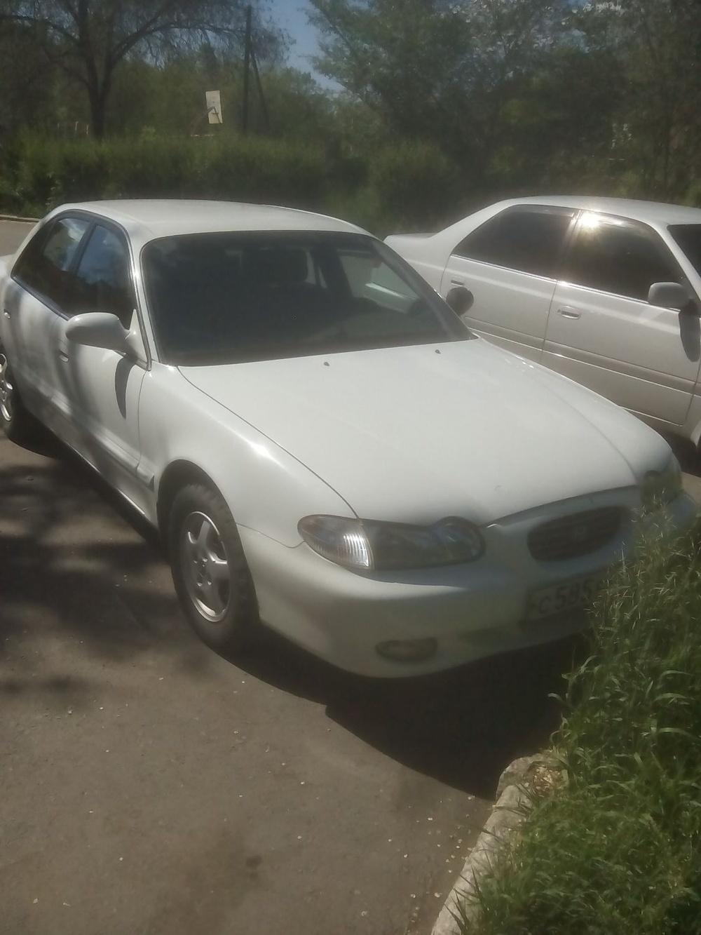 Подержанный Hyundai Sonata, среднее состояние, белый , 1998 года выпуска, цена 60 000 руб. в Челябинской области