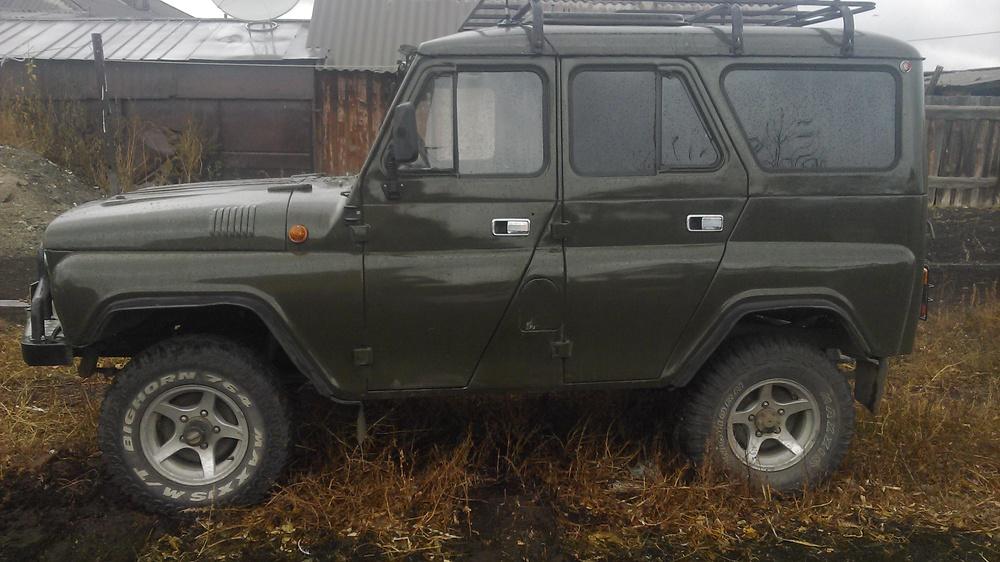 Подержанный УАЗ 469, хорошее состояние, зеленый , 1985 года выпуска, цена 190 000 руб. в Челябинской области