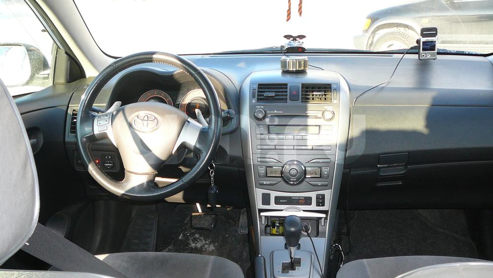 Подержанный Toyota Corolla, отличное состояние, серебряный , 2007 года выпуска, цена 380 000 руб. в ао. Ханты-Мансийском Автономном округе - Югре
