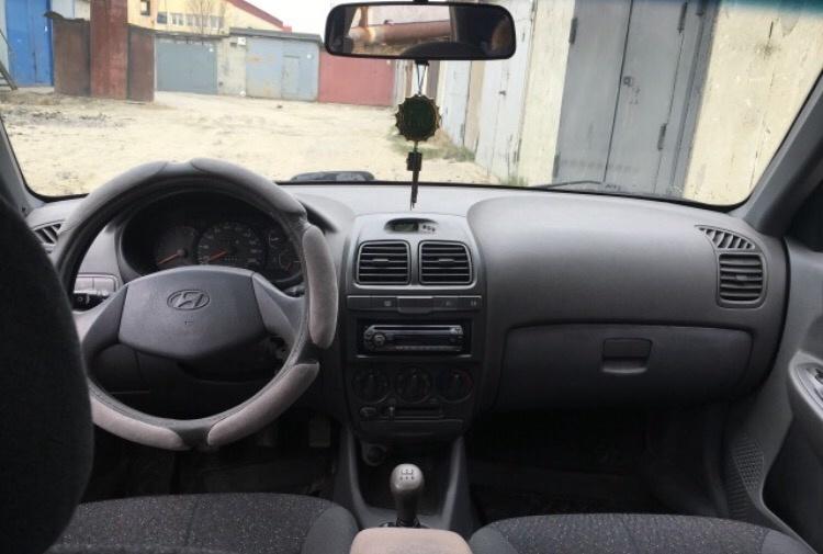 Подержанный Hyundai Accent, хорошее состояние, черный металлик, 2008 года выпуска, цена 250 000 руб. в ао. Ханты-Мансийском Автономном округе - Югре