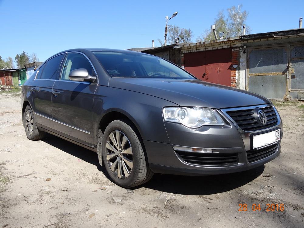 Подержанный Volkswagen Passat, хорошее состояние, серый , 2006 года выпуска, цена 550 000 руб. в Ульяновской области