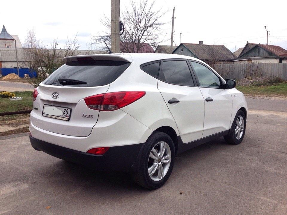 Подержанный Hyundai ix35, отличное состояние, белый , 2011 года выпуска, цена 800 000 руб. в Воронежской области