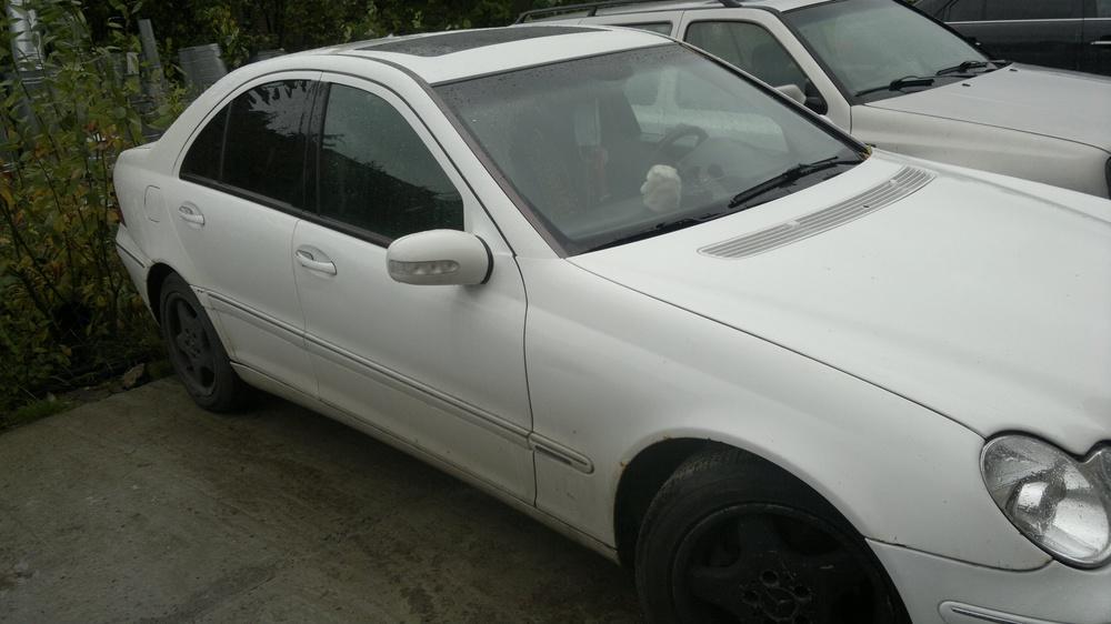 Подержанный Mercedes-Benz C-Класс, хорошее состояние, белый , 2001 года выпуска, цена 340 000 руб. в Твери