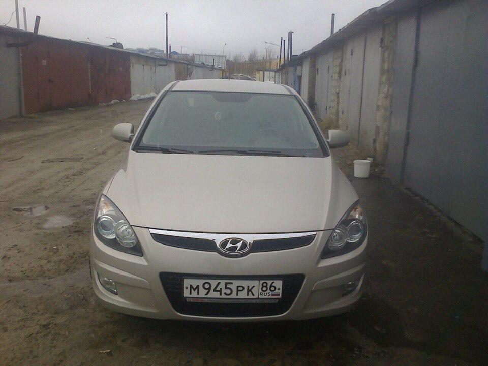 Подержанный Hyundai i30, отличное состояние, бежевый металлик, 2009 года выпуска, цена 450 000 руб. в ао. Ханты-Мансийском Автономном округе - Югре