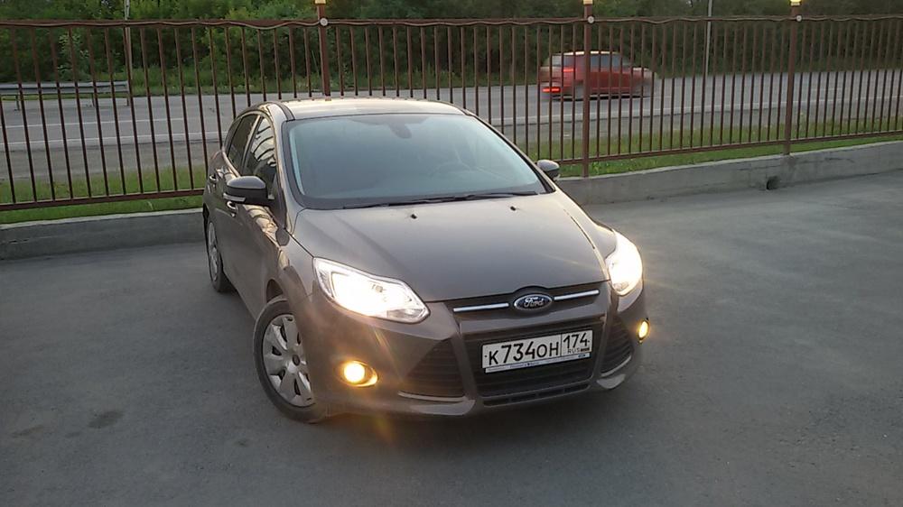 Подержанный Ford Focus, отличное состояние, коричневый перламутр, 2013 года выпуска, цена 580 000 руб. в Челябинской области