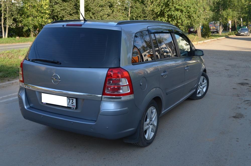 Подержанный Opel Zafira, хорошее состояние, серый металлик, 2008 года выпуска, цена 399 000 руб. в Ульяновской области