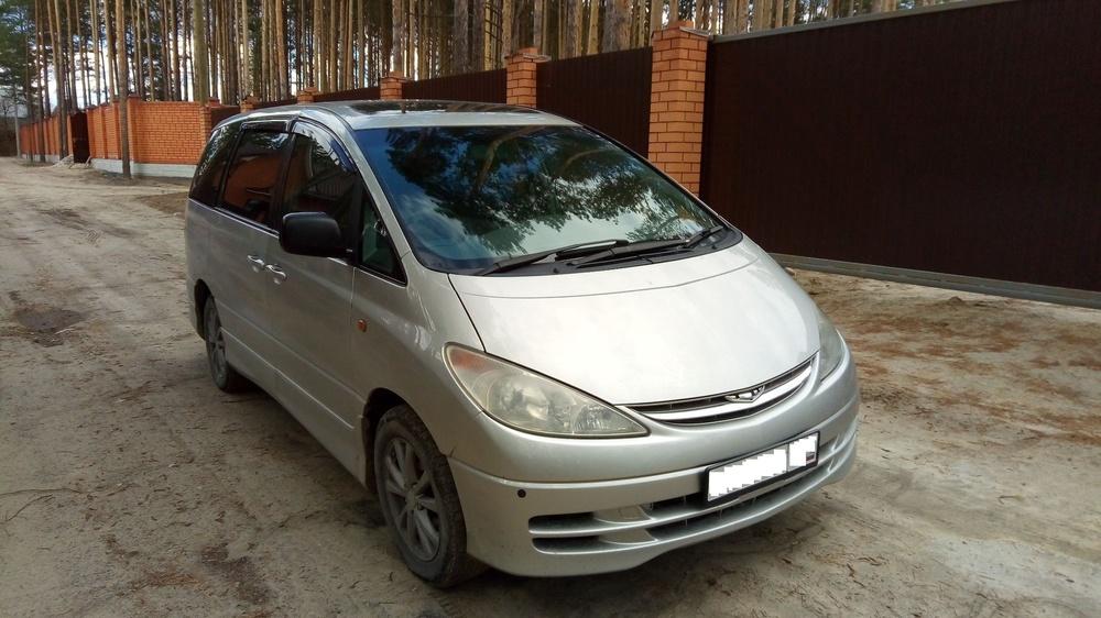 Подержанный Toyota Estima, отличное состояние, серебряный , 2000 года выпуска, цена 499 000 руб. в Тюмени