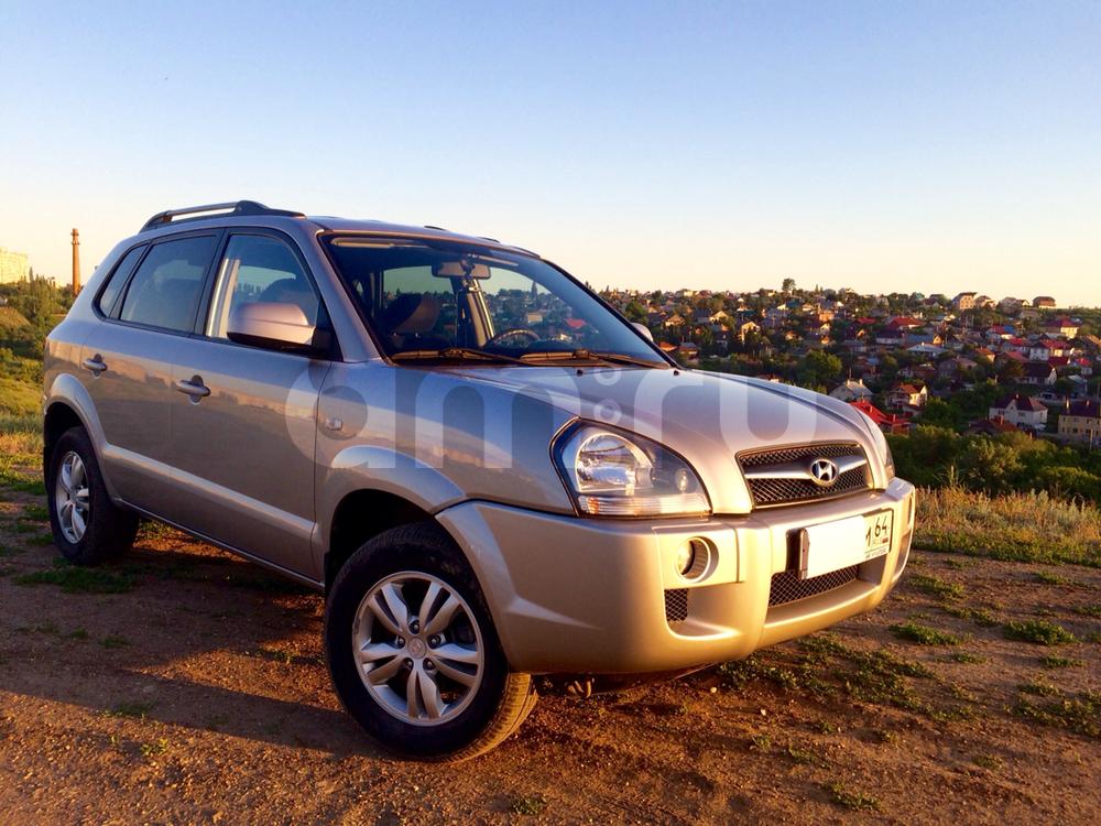 Подержанный Hyundai Tucson, хорошее состояние, серебряный , 2008 года выпуска, цена 575 000 руб. в Саратове