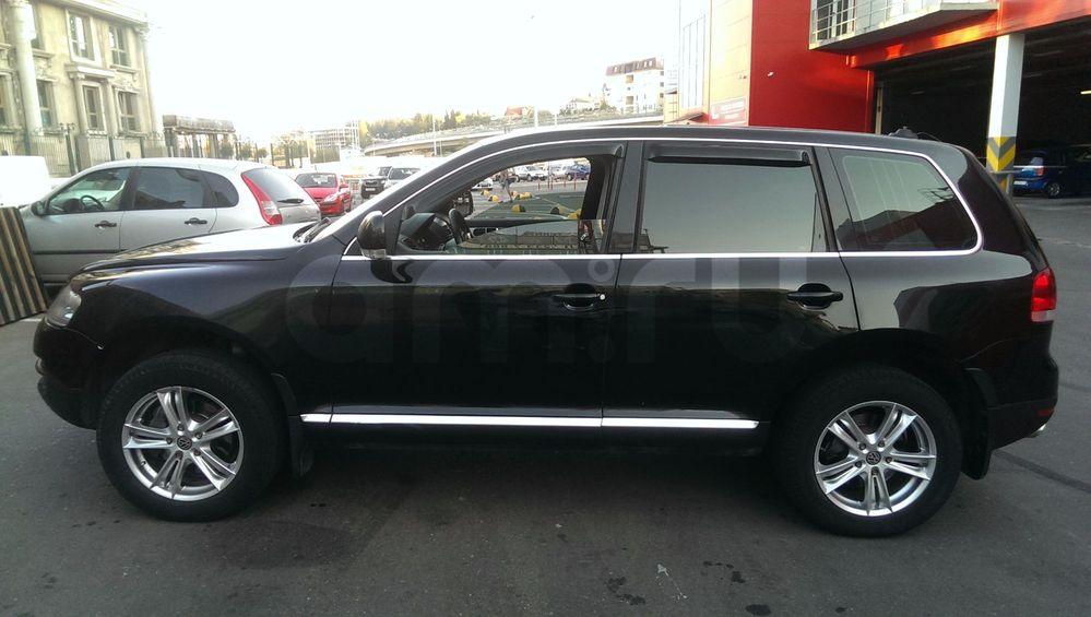 Подержанный Volkswagen Touareg, отличное состояние, черный металлик, 2006 года выпуска, цена 750 000 руб. в ао. Ханты-Мансийском Автономном округе - Югре