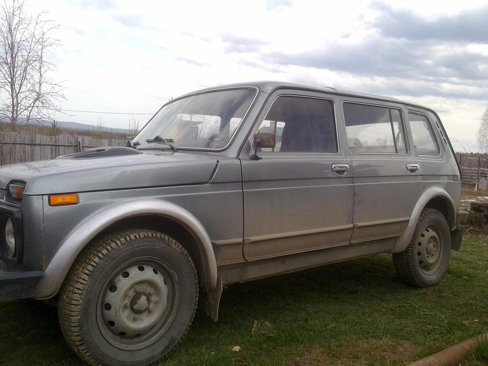 Подержанный ВАЗ (Lada) 4x4, хорошее состояние, серебряный , 2008 года выпуска, цена 200 000 руб. в Екатеринбурге