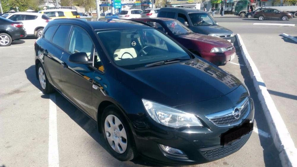 Подержанный Opel Astra, отличное состояние, черный , 2012 года выпуска, цена 599 000 руб. в Пензе