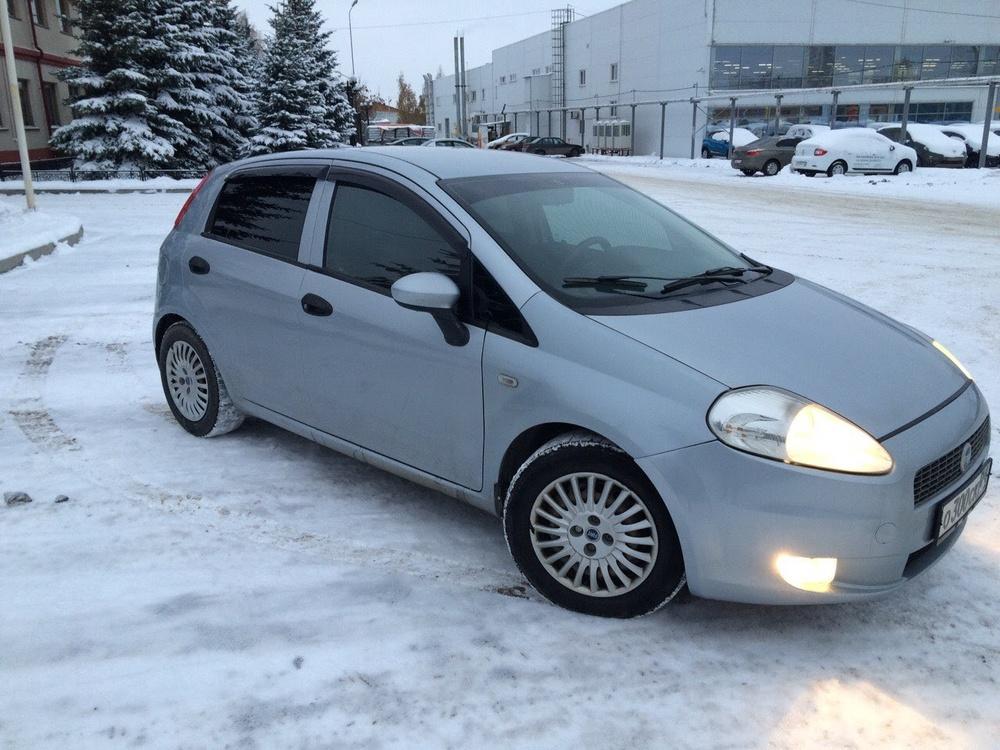 Подержанный Fiat Punto, хорошее состояние, серебряный , 2006 года выпуска, цена 195 000 руб. в Челябинской области