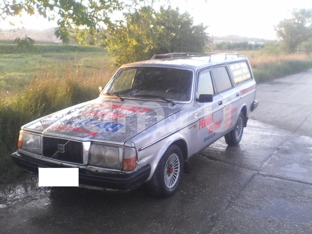 Подержанный Volvo 240, среднее состояние, серый , 1985 года выпуска, цена 50 000 руб. в Крыму