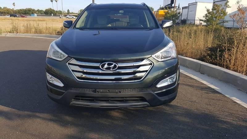 Подержанный Hyundai Santa Fe, отличное состояние, черный , 2013 года выпуска, цена 1 100 000 руб. в республике Татарстане