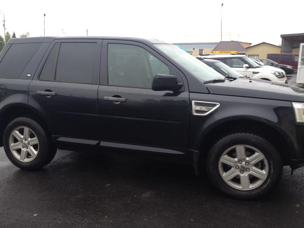 Подержанный Land Rover Freelander, отличное состояние, черный металлик, 2011 года выпуска, цена 1 000 000 руб. в ао. Ханты-Мансийском Автономном округе - Югре