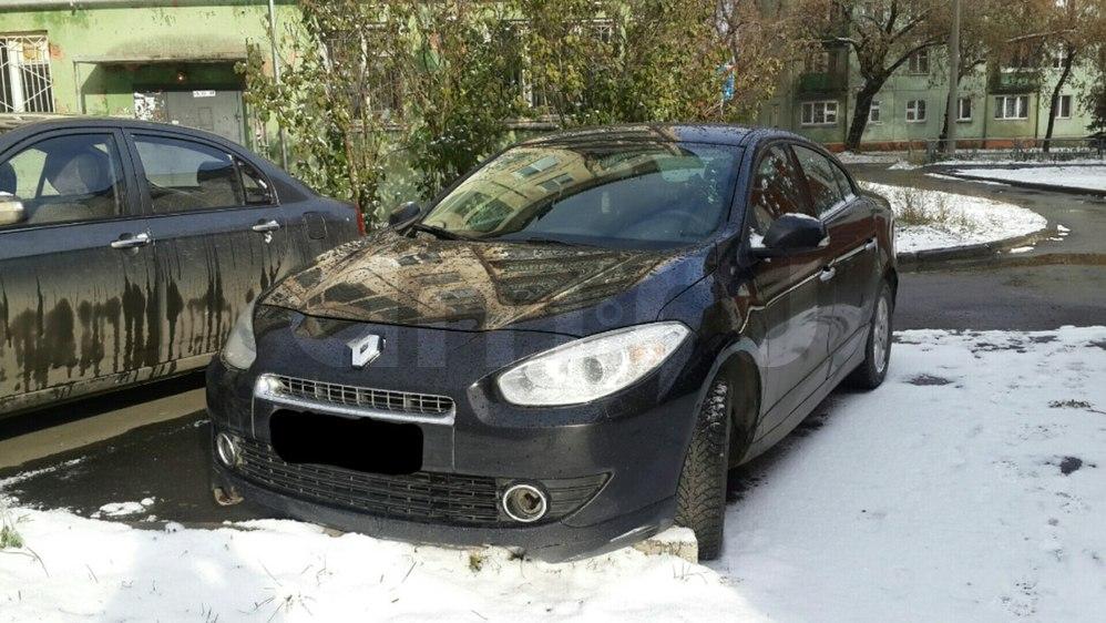 Подержанный Renault Fluence, среднее состояние, черный , 2011 года выпуска, цена 420 000 руб. в Челябинской области