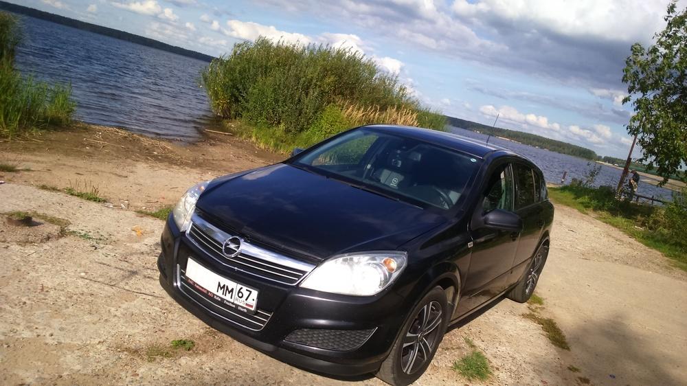 Подержанный Opel Astra, отличное состояние, черный металлик, 2008 года выпуска, цена 325 000 руб. в Смоленской области