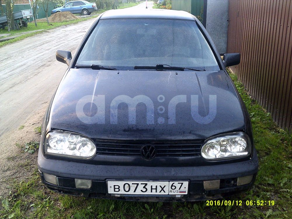 Подержанный Volkswagen Golf, хорошее состояние, черный , 1995 года выпуска, цена 95 000 руб. в Смоленской области