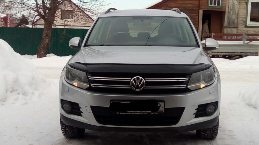 Подержанный Volkswagen Tiguan, отличное состояние, серебряный металлик, 2012 года выпуска, цена 790 000 руб. в Твери