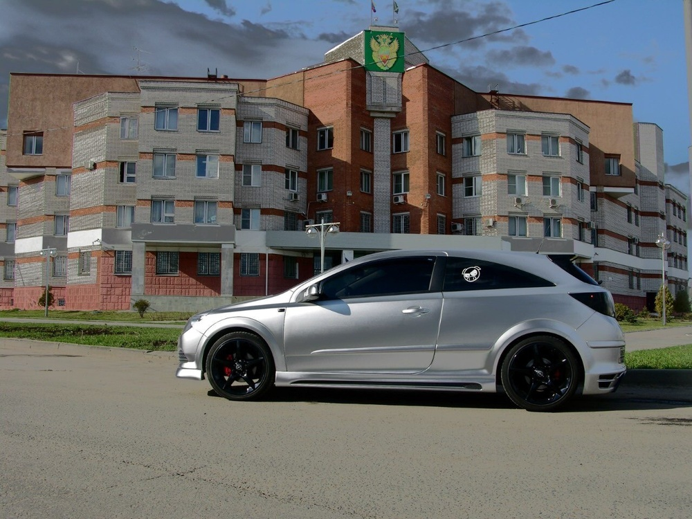 Подержанный Opel Astra, отличное состояние, серебряный , 2008 года выпуска, цена 370 000 руб. в Твери